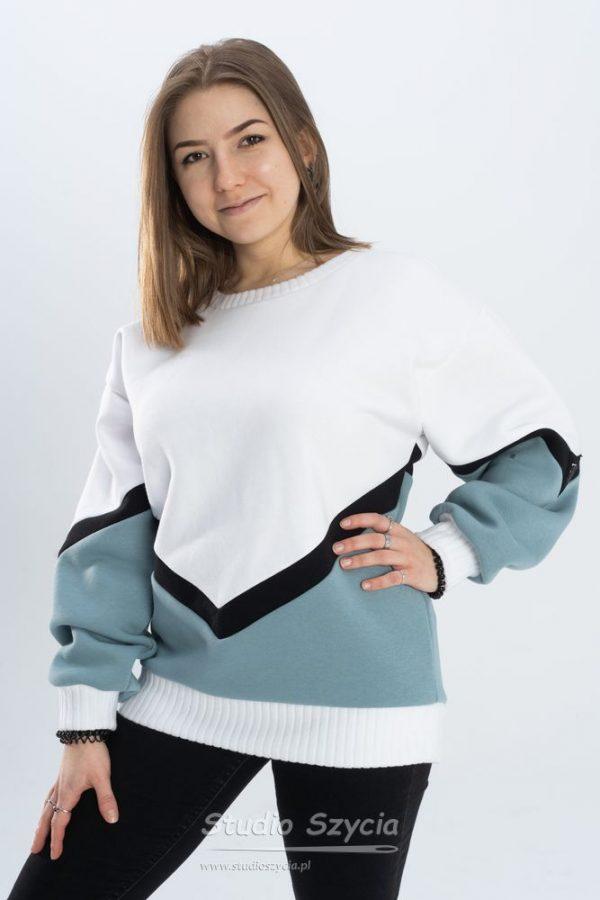 Biała bluza dresowa ze ściągaczem